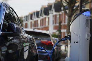 Elektromobily ako záchrana klímy? Podľa niektorých expertov sú výpočty chybné a výrazne sa zvýši spotreba energie