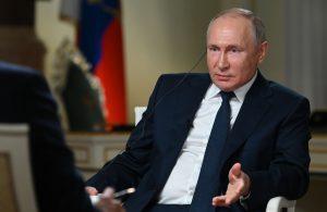 Putin: Dostal som Sputnik, rovnako ako vojaci. Ale zástancom povinného očkovania nie som