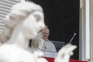 Uplynulých 7 dní s pápežom: Pozdravil pútnikov z Košíc, pripomenul 70 rokov kňazstva Benedikta XVI. i svätcov Pavla a Petra