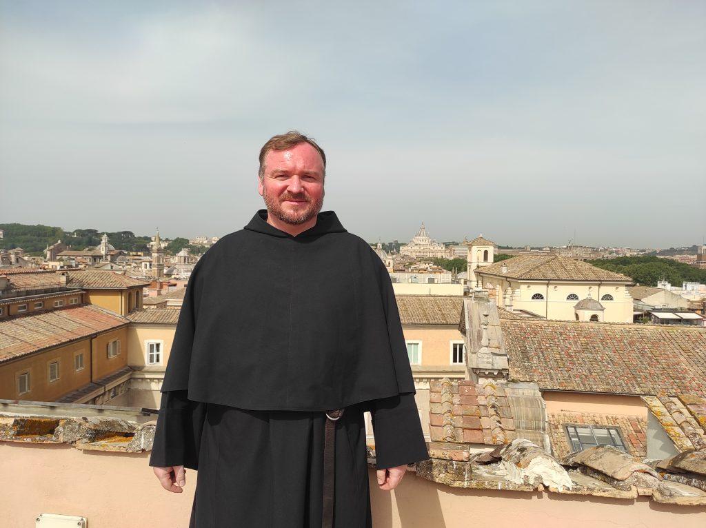 Slovenská skúsenosť s komunizmom pomôže pápežovi pochopiť túto ideológiu i Európu, hovorí kňaz v Taliansku