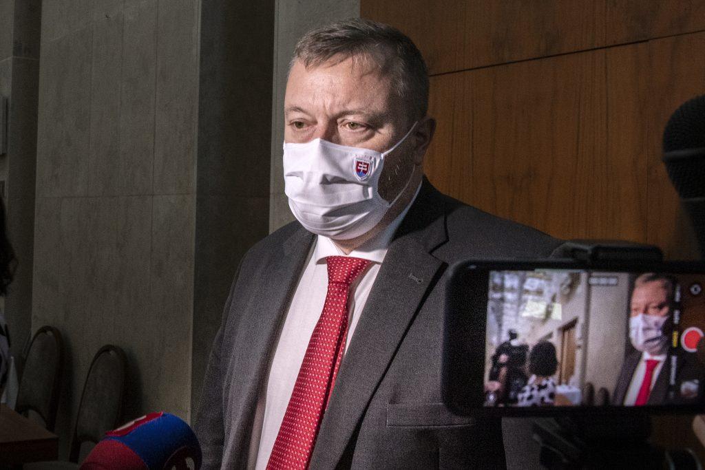 Prieskum: Väčšina ľudí podporuje rodičovský bonus ministra Krajniaka