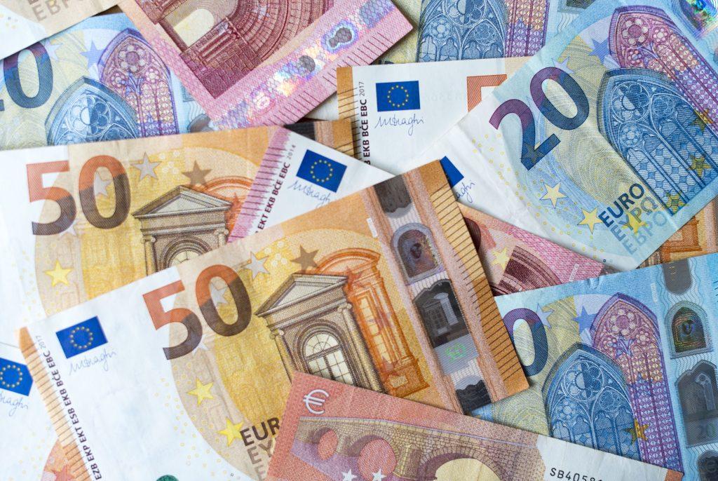 Slováci sú druhí najchudobnejší v Európskej únii – ak sa pozrieme na ich účty