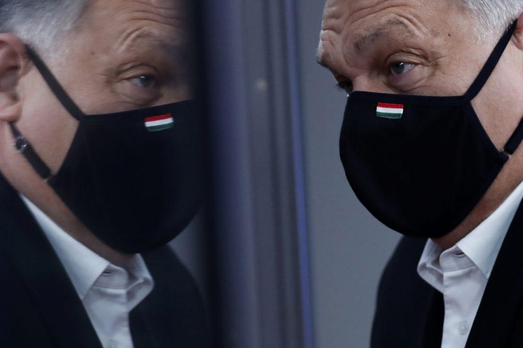 Stopka európskemu superštátu a masovej migrácii. Orbán spustil reklamu aj na Slovensku