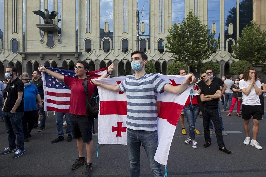 Gruzínsko sa začína vzďaľovať Západu. Chce do NATO a EÚ, ale liberálne hodnoty mu nevoňajú