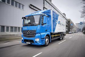 Prerazia elektrické kamióny? Trio najväčších výrobcov ohlásilo mohutnú investíciu do nabíjačiek
