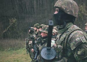 Neželaní Slovenskí branci opäť vystrkujú rožky, Naďov rezort ich chce vytlačiť posilnením záloh