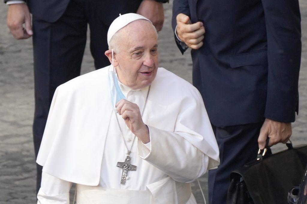 Pápež na Slovensku: S Františkom sa budú môcť stretnúť len plne zaočkovaní