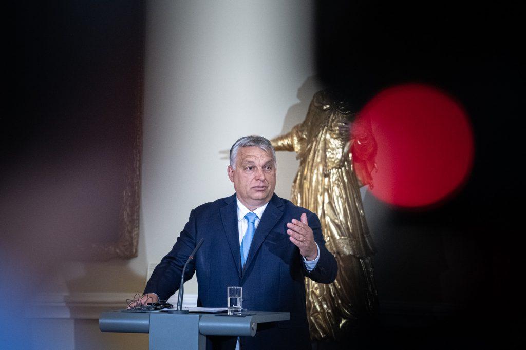 LGBT agenda: Eurokomisia spustila právne konanie voči Maďarsku a Poľsku