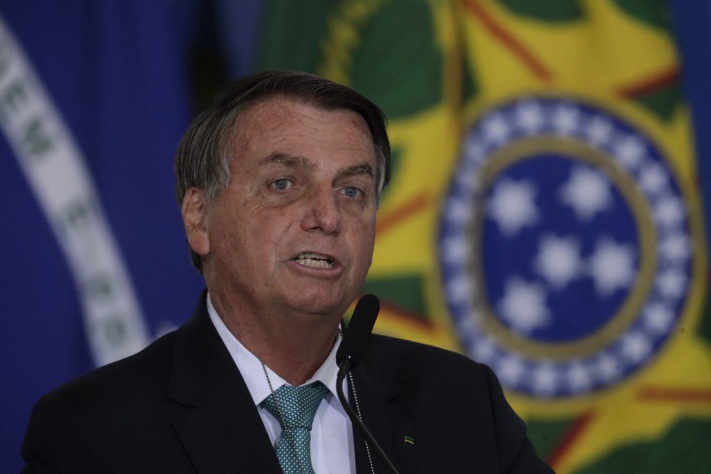 Snaha o slobodu prejavu či odplata? Bolsonaro určil nové pravidlá pre sociálne siete