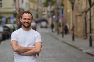 Český výskumník dezinformácií: Keď je pod tlakom, aj liberalizmus sa ľahko vzdáva svojich princípov