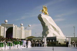 V Turkménsku musia záujemcovia o internet prisahať na Korán, že neobídu štátnu kontrolu internetu