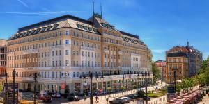 Vojna o hotel Carlton: stíhaný prokurátor Kováčik konal v prospech spolumajiteľov Esetu rekordne rýchlo