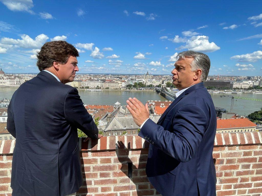Orbán má spojenca. Tucker Carlson je v Maďarsku a pripravuje s ním rozhovor aj reportáž o krajine