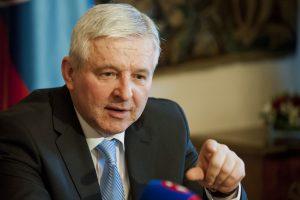 Susedia krotia stúpajúce ceny, Slovensko s eurom túto možnosť nemá, no poučiť sa môže