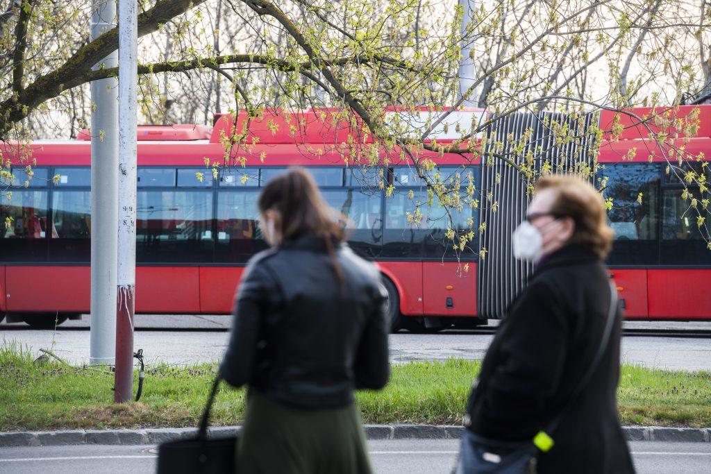 Blokáda autobusov pred úradom vlády: Presunúť by sa mali pred parlament