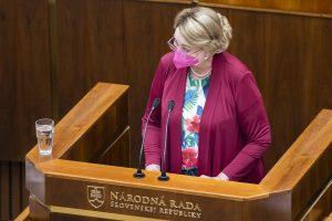 Záborská: Sme späť a ak bude treba, prídeme znovu. Poslanci rokujú o zákone na pomoc tehotným ženám