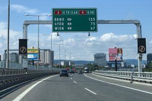 diaľnica cesta