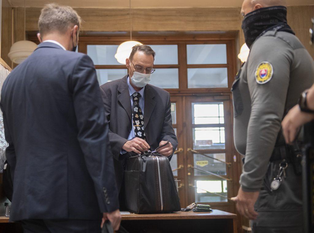 Čižnár ku Gorile: Trnka púšťal Ficovi nejakú nahrávku, ten ho potom vyhodil. Súd opäť zasadne v pondelok