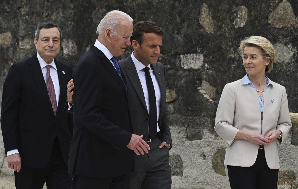 Francúzsko dostalo od USA po nose, napätie po austrálskom odmietnutí ponoriek už cíti celá EÚ