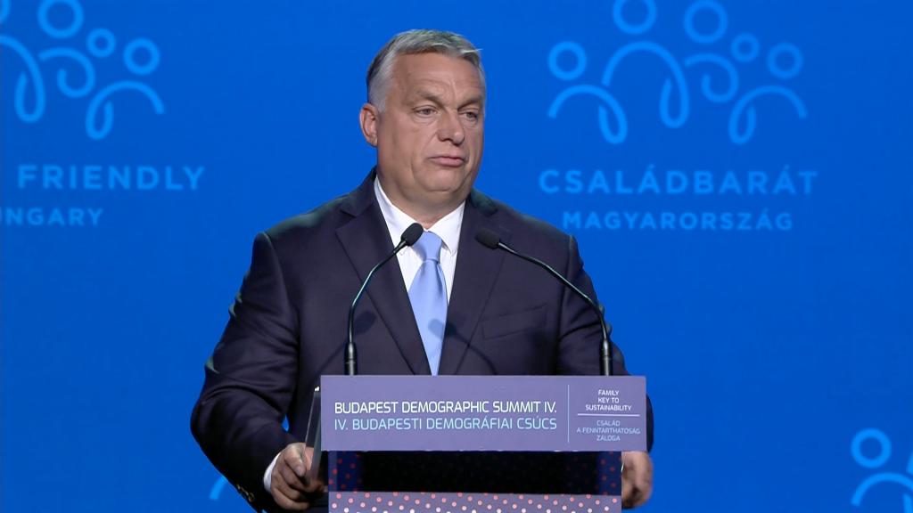 Migrácia nie je riešením poklesu populácie v EÚ, zhodli sa premiéri na demografickom summite v Budapešti