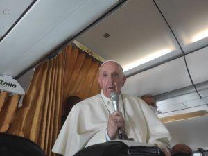 Ako vznikla otázka pre pápeža a aká bola atmosféra v lietadle