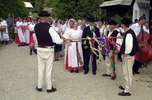 Svadby na Slovensku v minulosti. Ako vyzerali prípravy na sobáš?