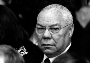 Colin Powell. Život a smrť v tieni dezinformácie