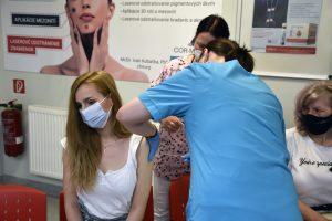 Budúcnosť očkovania je bezbolestná. Ihly má nahradiť laser