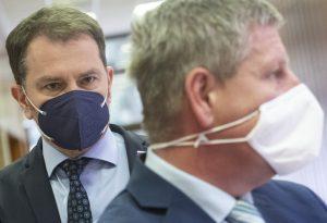 Matovič skritizoval Lengvarského: Obehol málo nemocníc. Za jeho očkovaciu kampaň sa hanbím