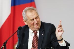 Zeman nie je schopný výkonu funkcie, citoval predseda Senátu lekárov