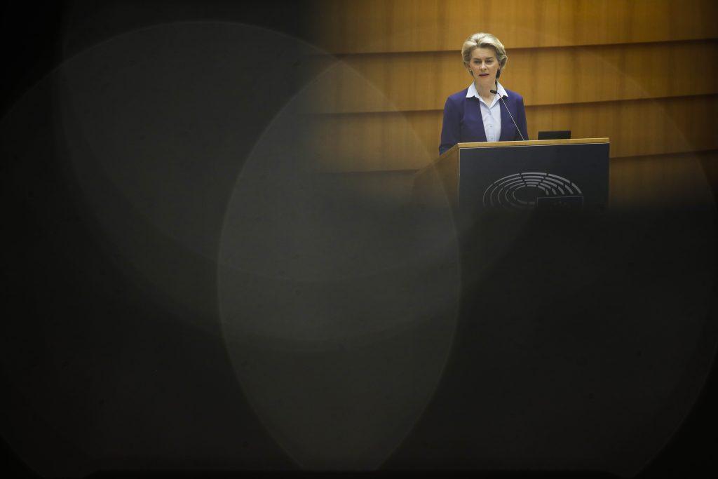 Europarlament a koalícia Smeru, SaS a PS chce zachraňovať Ameriku a tamojšie potraty