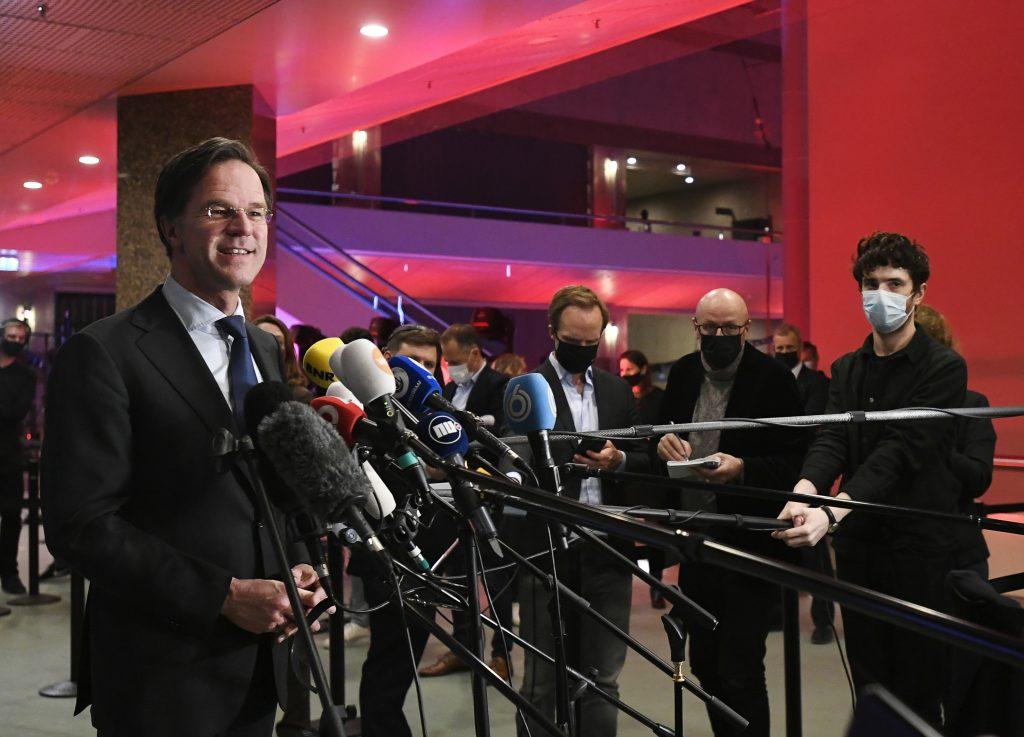 Holandský monarcha môže vstúpiť do homosexuálneho zväzku, vyhlásil premiér