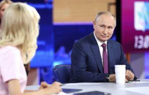 Putin: Boj za rovnaké práva na Západe sa mení na agresívny dogmatizmus hraničiaci s absurditou