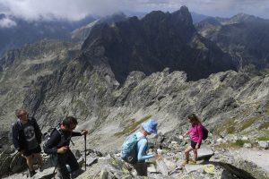 Ohlušujúci hrmot, trasúca sa zem. V Tatrách spadla masívna lavína, z kopca sa však nevalil sneh