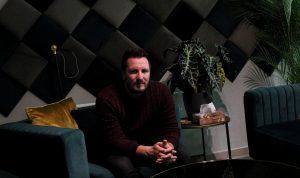 Psychológ Madro: Ľudia nám často volajú počas toho, ako sa idú zabiť. Ani vtedy nechcú zostať sami